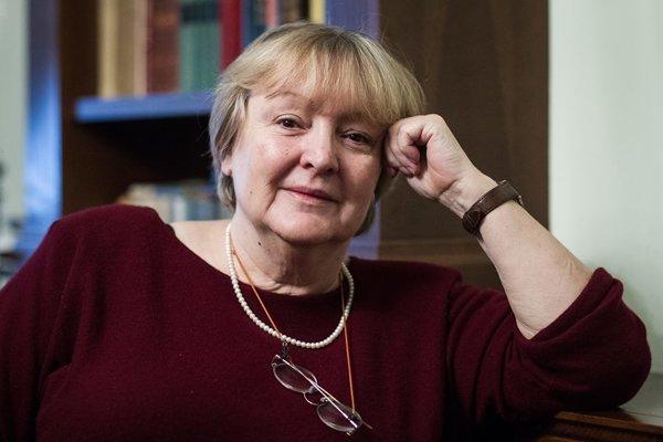 DUBRAVKA UGREŠIĆ, chorvátska spisovateľka.
