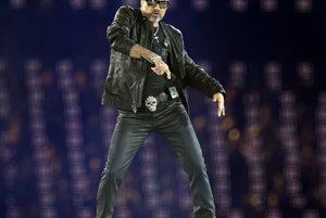 George Michael spieva na záverečnom ceremoniáli letných olympijských hier 2012 v Londýne 12. augusta 2012.