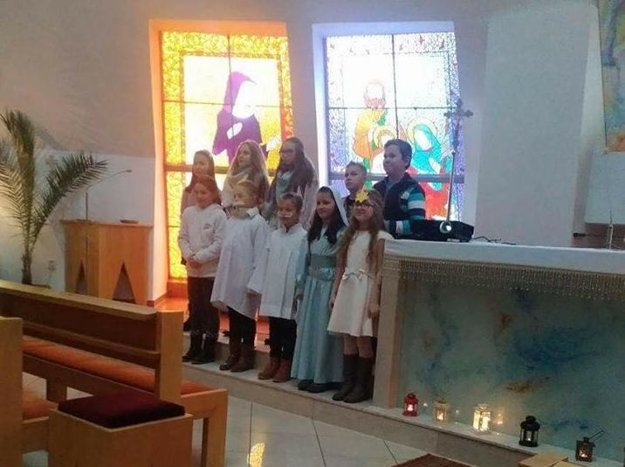 Jasličnová pobožnosť v Zemianskej Dedine, miestnej časti Obce Nižná.