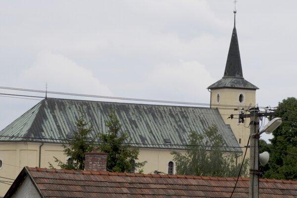 Aj čereniansky kostol je na jednej z nových pohľadníc, ktoré vydala obec.