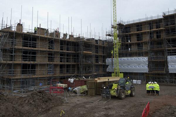 Výstavba prebieha aj v Londýne.