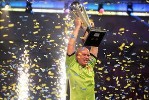 Holanďan Michael van Gerwen sa stal po druhýkrát v kariére majstrom sveta v šípkach.
