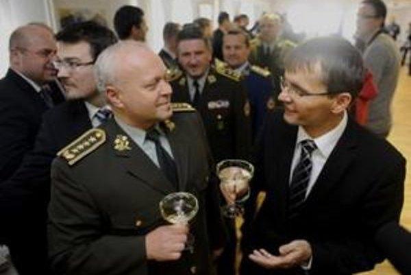 Bulík sa s Galkom pred časom dohodol na odchode do civilu k 30. novembru.
