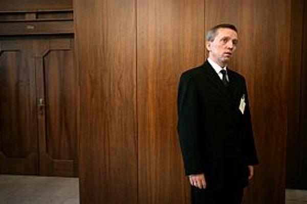Parlament zvolil Jozefa Čentéša na post generálneho prokurátora. Vymenovať ho musí prezident Gašparovič.