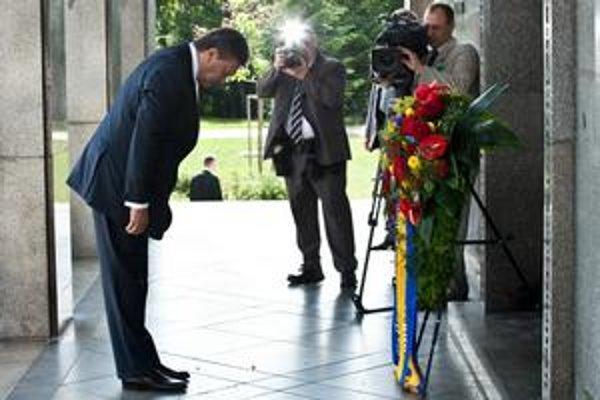 Ukrajinský prezident Viktor Janukovyč bol aj na Slavíne.