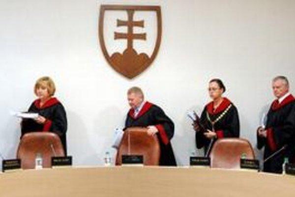 Zmena sa dotýka aj sudcov Ústavného súdu.