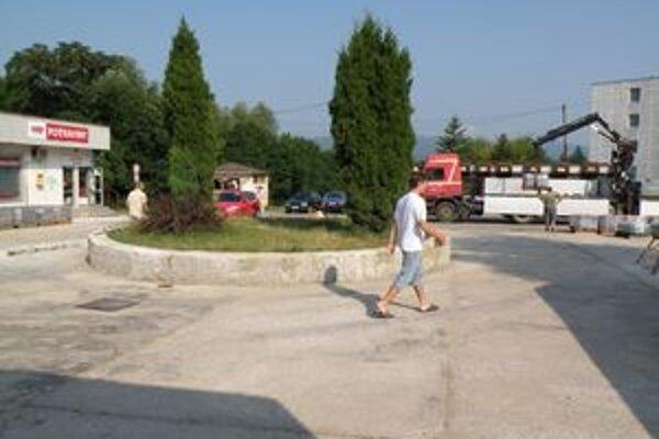Po rekonštrukcii by na námestí mala byť opäť aj fontána.