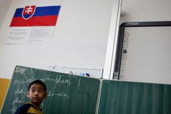 Vietnamské deti u nás sa musia doučovať materinskú reč. Ich jazykom je už slovenčina.