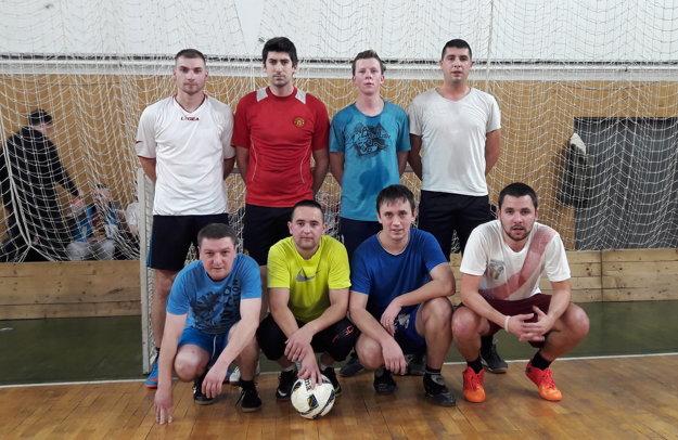 ŠMOLKOVIA. Mužstvo, ktoré skončilo v minulom ročníku na treťom mieste