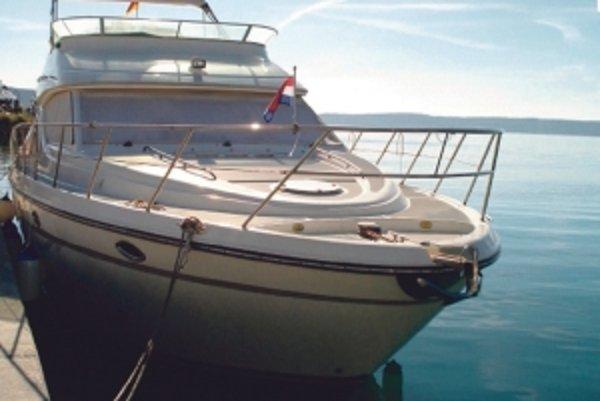 Jachta Maxum 4600 SCB po Vladimírovi Frunim stojí 150tisíc eur.