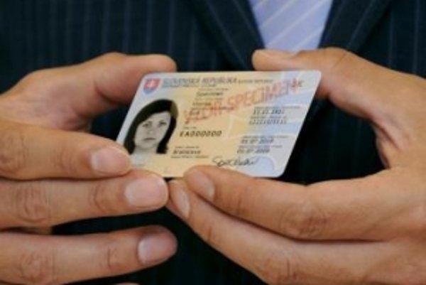 Z občianskych preukazov zmiznú rodné čísla.