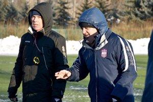 Sprava hlavný tréner Juraj Jarábek a kondičný tréner Milan Ivanka.