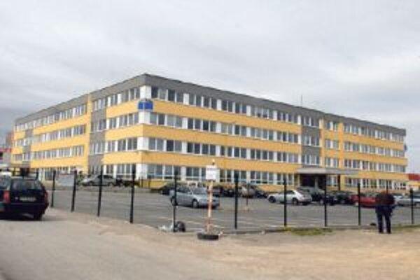 Mimovládne organizácie kontrolovali výber tejto budovy.