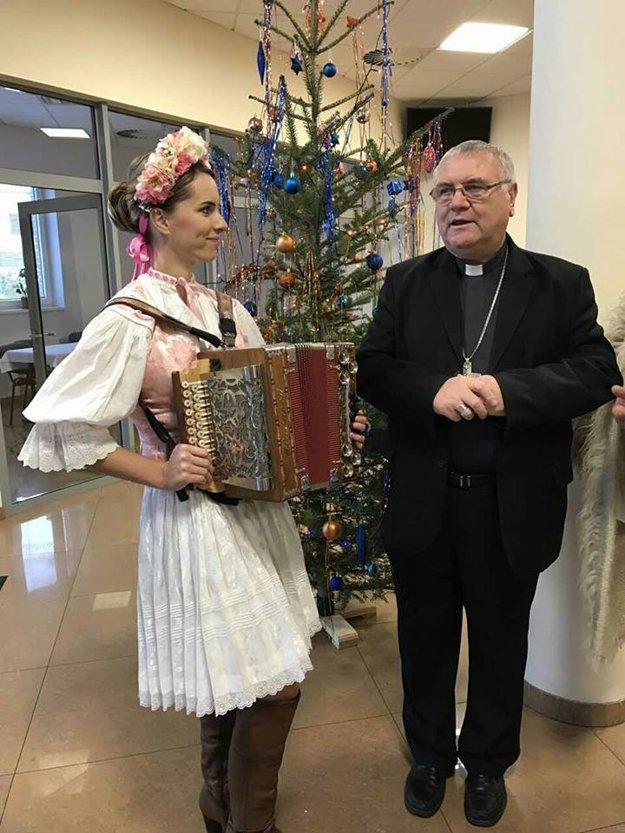 Vinšovanie biskupovi Žilinskej diecézy Tomášovi Gálisovi.