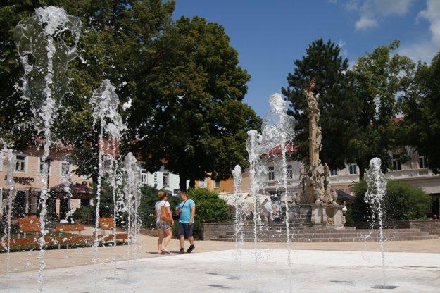 Fontána priniesla do centra Prievidze výrazné oživenie.