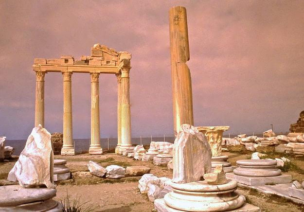 Ruiny Apolónovho Chrámu, Side, Turecko.