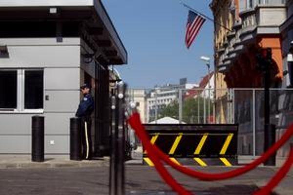 Cieľmi teroristických útokov by mohli byť americká ambasáda či hokejisti.