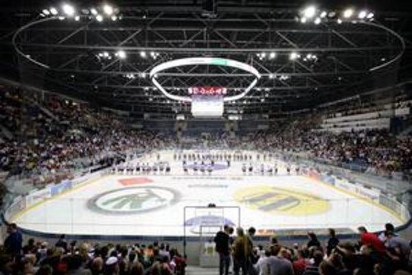 V nedeľu štadión otvoria verejnosti, ľudia sa tam môžu zadarmo korčuľovať.