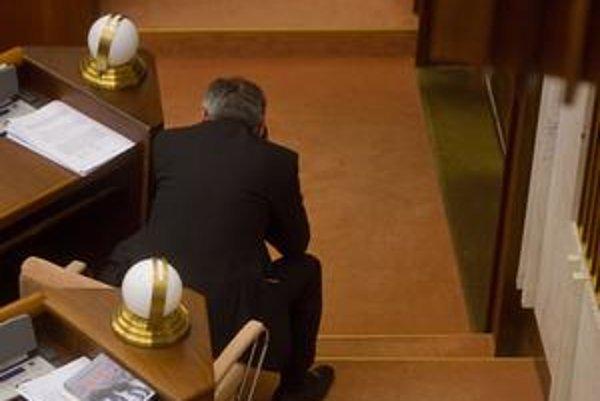 Telefonoval aj poslanec SDKÚ Pavol Kubovič.