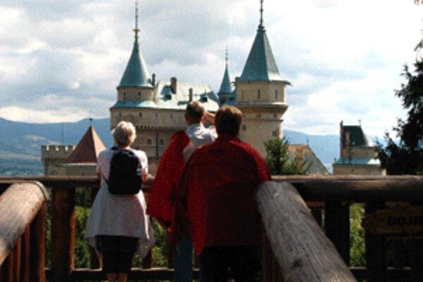 Bojnický zámok sa už dlhé roky teší veľkému záujmu turistov.