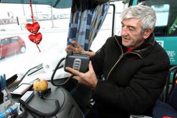 Suma v palubnej jednotke nesmie byť mínusová. Inak hrozia dopravcom pokuty vo výške tisícov eur.