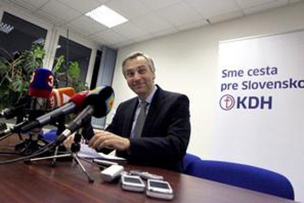 Ministra Jána Figeľa a jeho poradcov má školiť izraelská firma, ktorá radila v kampani aj starostovi za KDH. Firmu chcú využiť aj pri vyjednávaní o prerozdelení eurofondov.