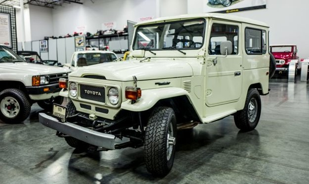 Vystavená Toyota FJ40 Land Cruiser má najazdených len 4830 km