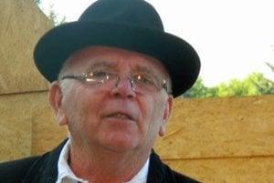 Autorom hry je divadelník a folklorista Juraj Matiaš.