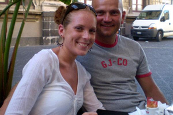 Michal Gogola s priateľkou Mirkou.
