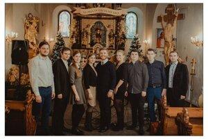 ĽH Sosna a hostia. Svojimi vianočnými koncertmi pomáhali deťom.