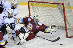 Hráči Nitry zdolali Trenčín až po nájazdoch.