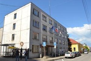 Jedna z budov mestského úradu.