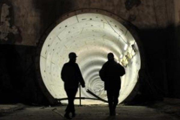 Vyzerá to ako tunel v FNM – takmer päť miliónov euro dostane spoločnosť, ktorá s fondom prehrala súdny spor a neexistuje na ňu ani telefónne číslo.