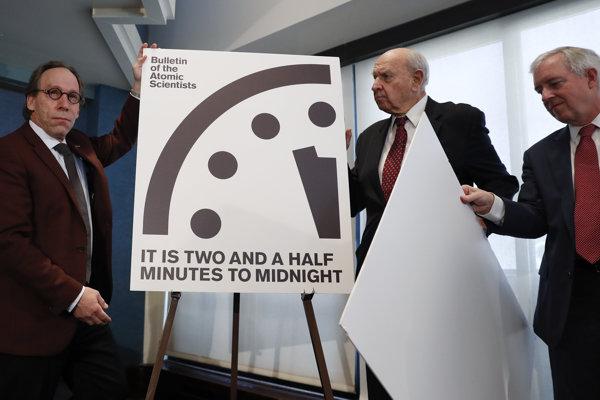 Takzvané hodiny posledného súdu vytvorili odborníci znepokojení použitím prvých atómových bômb v roku 1947.