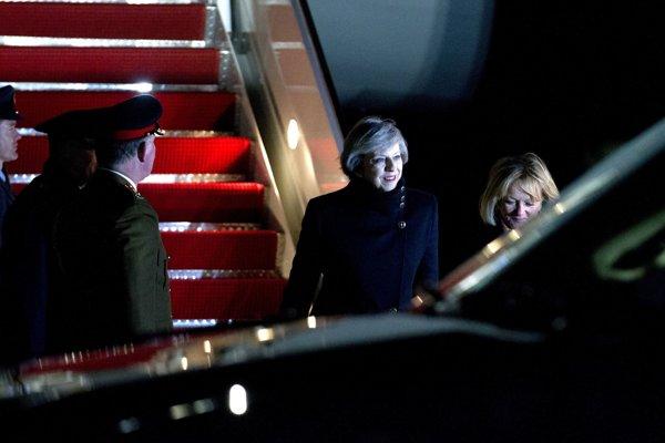 Britská premiérka Theresa Mayová na americkej leteckej základni Andrews.