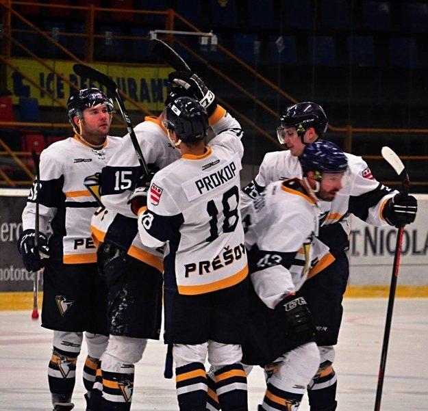 Radosť hráčov HC Prešov Penguins.