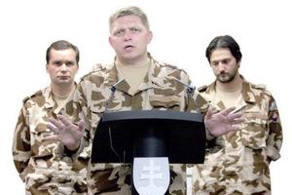 Bývalého ministra obrany Františka Kašického odvolal premiér Robert Fico v januári 2008 z funkcie. Dôvodom bol predražený tender na upratovanie za niekoľko miliárd korún.
