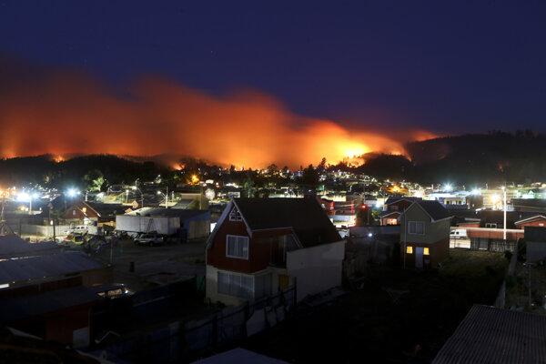 Čile sužovali rozsiahle lesné požiare.