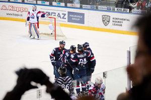 Hokejisti Slovana Bratislava vedú nad Jaroslavľom.