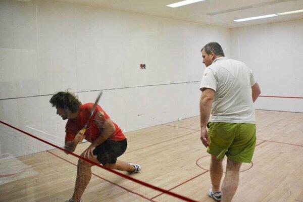 Účasť na turnaji potvrdila aj svetová dvojka Gábor Stabó jr. (vľavo).