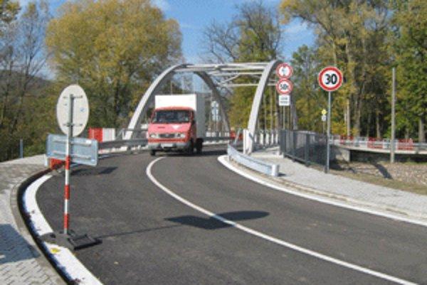 Nový most v Chalmovej je už v plnej prevádzke.