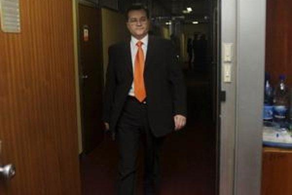 Štefan Nižňanský zavítal do strižní publicistickej relácie Reportéri. Skončilo sa to zmenami v programe.