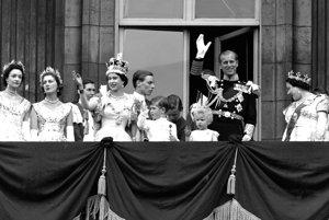 Kráľovská rodina po korunovácii v roku 1953.