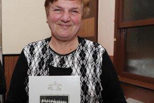Mária Húšťavová na krste svojej druhej knihy Rudina vo zvykoch našich predkov vmarci roku 2015. Získala za ňu tretie miesto vsúťaži Najkrajšie knihy Slovenska za rok 2014.