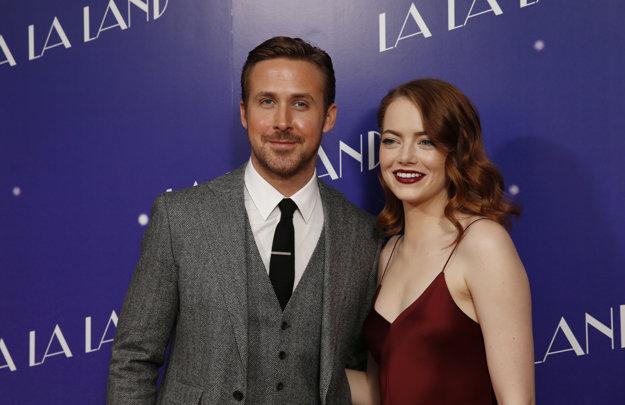 Herecký pár. Emma Stone a Ryan Gosling sú výborní kamaráti.