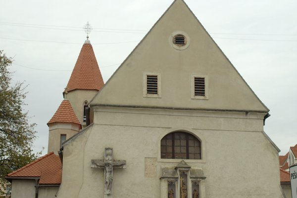 Priamo  v Trnave sa pozreli odborníci zatiaľ na Kostol sv. Heleny