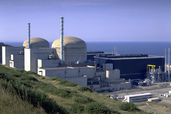Elektráreň pri francúzskom meste Flamanville, v ktorej došlo k výbuchu.