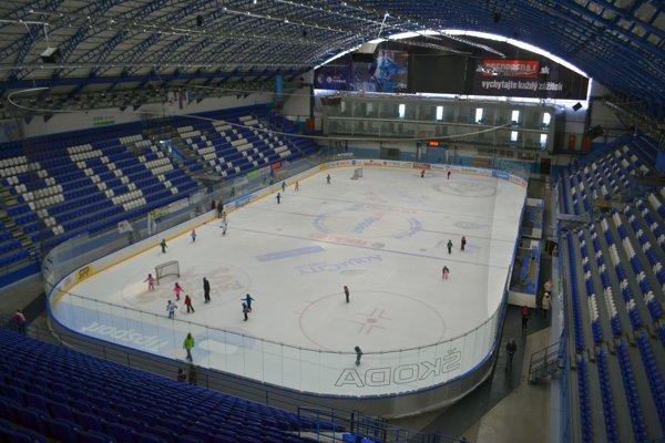 Zimný štadión v Poprade. V apríli bude k dispozícii pre MS do 18 rokov.