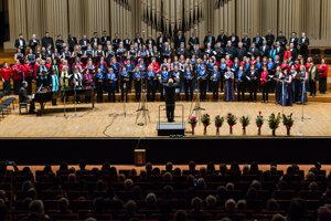Postupne sa v ňom vytvorili tri samostatné umelecké telesá – folklórny súbor, spevácky zbor a komorný orchester.