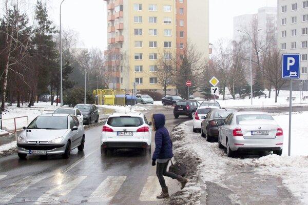 Najväčšie problémy s parkovaním sú podľa radnice na Klokočine.